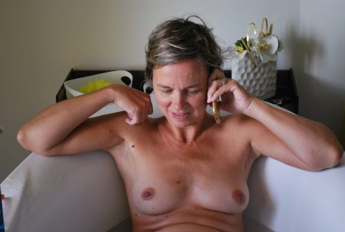 les beaux seins de sa femme