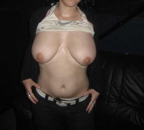 gros seins qui pendent