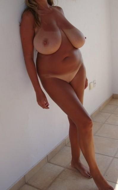 Des seins hors norme