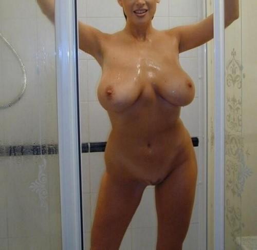 gros seins sous la douche rencontre sexe centre
