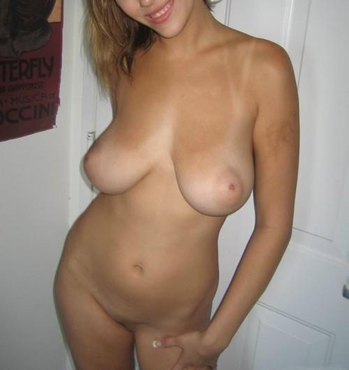 Exhibition nue
