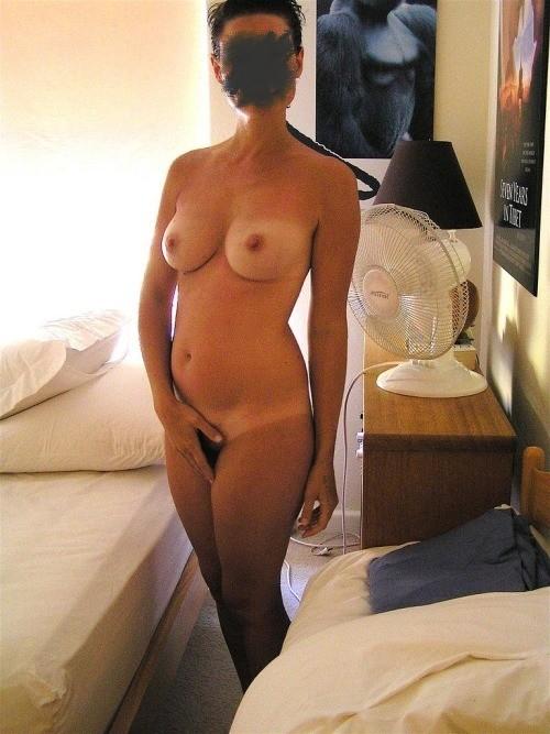 Sa femme nue