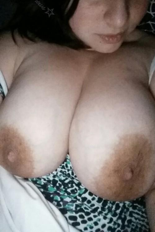 Selfie hot de gros seins