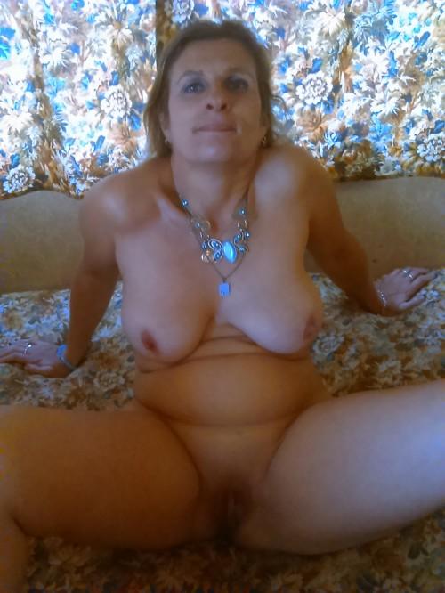 Les seins d'une femme nue