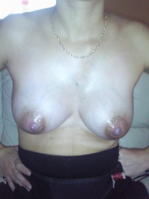Les beaux seins d'Emilie