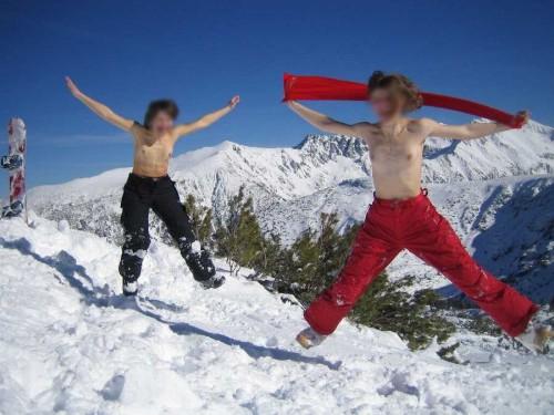 les seins de 2 copines à la montagne