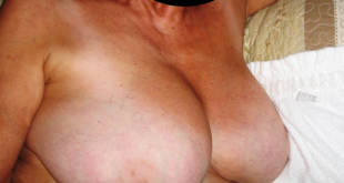 aime exhiber ses gros seins