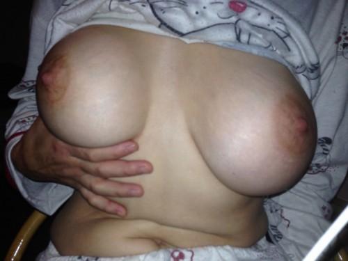 très gros seins naturels